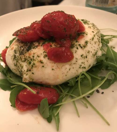 Isabella's Restaurant burrata
