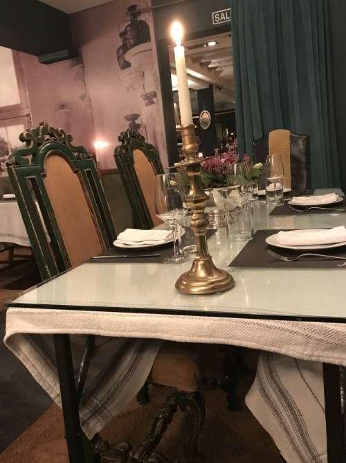 Isabella's Restaurant interior